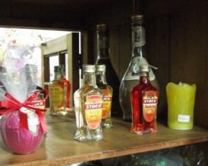 005 - Bebidas em tamanho normal e miniaturas