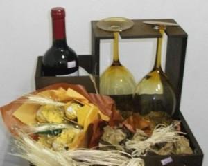 22 - Presente para casal,  flores origami com chocolate, vinho e taças