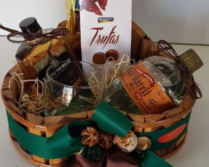 17- Cachepô wiski, cachaça e chocolate